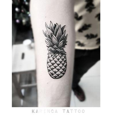 🍍 Instagram: @karincatattoo #pineapple #ananas #tattoo #tattoos #tattoodesign #tattooartist #tattooer #tattoostudio #tattoolove #ink #dövme #dövmeci #istanbul #turkey #black