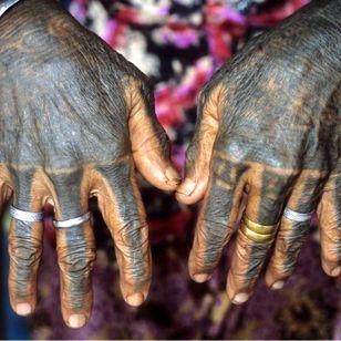 The Kayan hand tattoos of Ado Ngo promote fertility and repel evil spirits encountered in the jungle. Borneo. Photo: © Lars Krutak 2011. #LarsKrutak #tattoohistory #tattooculture #tattooanthropologist