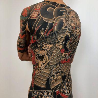 Tattoo by Lupo Horiokami #LupoHoriokami #tattoodoambassador #bodysuit #illustrative #japanese #irezumi #samurai #sword #pattern #clouds #dragon #flower #floral