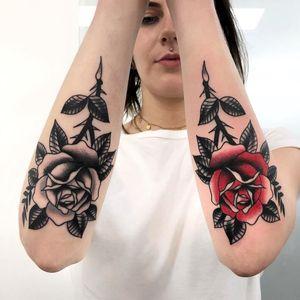 Tattoo by Mattia Giks Esposito #MattiaGiksEsposito #toptattoosof2018 #toptattoos #2018 #bestof2018 #traditional #rose #flower #floral #nature #plant #color #blackandgrey
