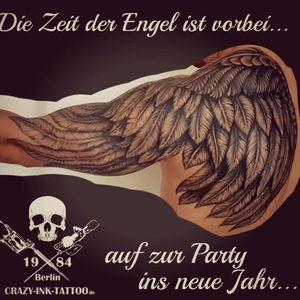 Auf ins neue Jahr... ein #angelwingtattoo im #realistictattoo Style. . Abgeheilter Flügel. Danke Justin. . Ab 10.1.19 noch Termine frei... . 📷@crazy.ink.tattoo.berlin . Infos wie immer 017627112764 auch WhatsApp...⠀⠀ . https://crazy-ink-tattoo.de . https://facebook.com/crazy.ink.tattoo.berlin . https://instagram.com/crazy.ink.tattoo.berlin . https://plus.google.com/+CrazyInkTattooBerlin . . . . #tattoo #tattoos #berlin #tattooberlin #tattoomoabit #crazyink #crazyinkberlin #crazyinktattoo #crazyinktattooberlin . #angelwingtattoos #blackngrey #inked #tattooed #tattoist #tatted #wingtattoo #bodyart #wingtattoos #realistiktattoo #berlintattooartist #berlintattooartists #blackngreytattoo #blackandgreytattoo #shouldertattoo #wingstattoo #feathertattoo #warriortattoo #tattooist