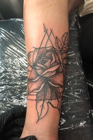 Finally got to tattoo this design! #rose #blackandgrey #blackwork #dotwork #stippling #geometric