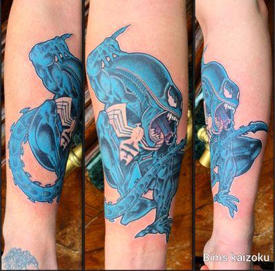 Hey!!! Bonnes années!!!! Pour mon 1 er post 2019. Je vous partage ma création mi Venom mi Alien😊et en plus en couleurs 😂❤️ #bims #bimskaizoku #bimstattoo #paris #paname #paristattoo #tatouage #venom #alien #comics #marvel #drawing #tattoo #tatt #tattoos #tatts #tatto #tattrx #tattos #tatted #tattooed #tattoostyle #tattoomodel #tattooer #tattoodo #tattoolove #tattoosleeve #tattoolife #tattoolover
