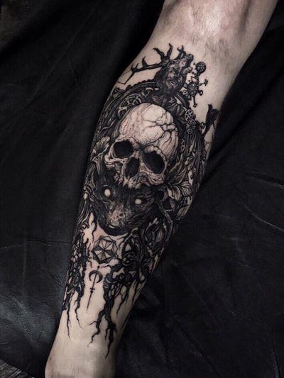 - [ ] #tattoo#linework#sketch#dotwork#blackwork#art#sketch#tattoosketch#tattoodesign#dark#darkartist#tattoostyle#sleeve#darkart#geometry#tkach