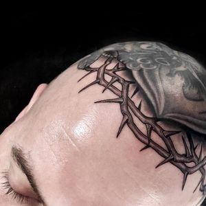 Tattoo by Rose Hardy #RoseHardy #tattoodoambassador #blackandgrey #thorns #crownofthorns #realism #realistic #headtattoo #scalptattoo