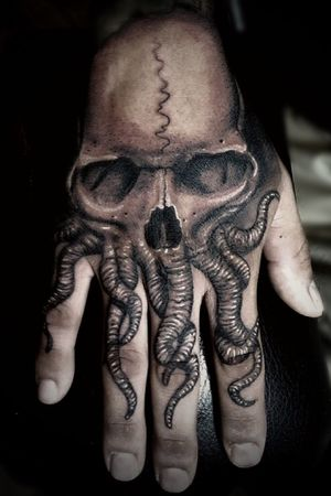cthulhu hand tattoo 👁👁