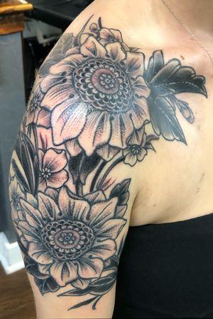 Some fresh some healed #sunflower #dotwork #blackwork #floral