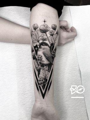 By RO. Robert Pavez • Sweet Willow Tit • Done in studio ZOI TATTOO • Stockholm 🇸🇪 2019 #engraving #dotwork #etching #dot #linework #geometric #ro #blackwork #blackworktattoo #blackandgrey #black #tattoo #fineline