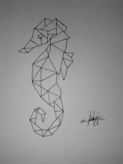 #animal #seahorse #seahorsetattoo #caballitodemar #geometry #erick_suarez_1