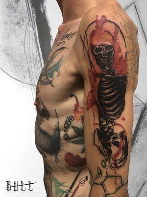 ☎️ 328.3531237 | 085.2193270 ✉️ italian.style@hotmail.it 📍 Montesilvano, Via Gabriele D'Annunzio, 62 🌐 www.italianstyletattoo.com #TattooistArtMagazine #sketch_daily #equilattera #wowtattoo #theartoftattoos #tattoodo #tattooselection #skinart_mag #tattoorevuemag #tattoo2me #inkstinct_tattoo_app #ContemporaryTattooing #tattooersubmission #thinkbeforeuink #skeleton #Teschio #scheletro #Skull