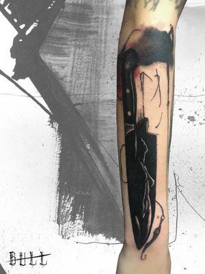 ☎️ 328.3531237 | 085.2193270 ✉️ italian.style@hotmail.it 📍 Montesilvano, Via Gabriele D'Annunzio, 62 🌐 www.italianstyletattoo.com #TattooistArtMagazine #sketch_daily #equilattera #wowtattoo #theartoftattoos #tattoodo #tattooselection #skinart_mag #tattoorevuemag #tattoo2me #inkstinct_tattoo_app #ContemporaryTattooing #tattooersubmission #thinkbeforeuink #tguest #TAOT #knife