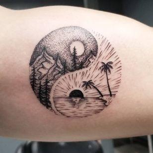 Tattoo by Keith aka AsparagusNightmare #Kith #AsparagusNightmare #YinYangtattoos #YinYang #Chinese #symbol #illustrative #landscape #mountains #forest #palmtrees #beach #sun #moon