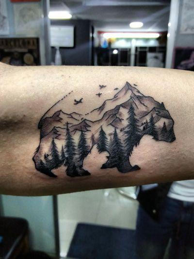 #bear #beartattoo #forest #foresttattoo #sketch #sketchtattoo #blackandgrey #blackandgreytattoo #eternalink