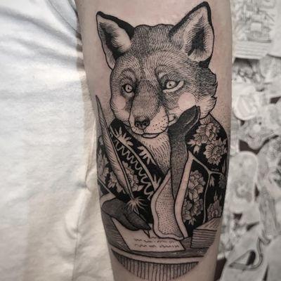Tattoo by Suflanda #Suflanda #foxtattoos #fox #animal #nature #linework #dotwork #blackwork #writer #quillpen #quill #peony #flower #floral #illustrative