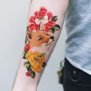 Tattoo by Sion #Sion #TattooistSion #foxtattoos #fox #animal #nature #realistic #realism #color #flower #peony
