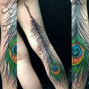 Gorgeous full back of the leg, freehand peacock feather tattoo by @engelwood316 . . #feathertattoo #feather #peacock #peacockfeathertattoo #peacockfeather #birdlovers #birdwatching #birdtattoo #peacocktattoo #girlswithtattoos #bodymodification #bouldercoloradotattoos #bouldercolorado #cubuffs #cuboulder #coloradouniversity #tattooartist #colorado #coloradotattooartist #coloradotattoo #lafayettecolorado #metamorphosistattoo #goldencolorado #nederlandcolorado #broomfieldcolorado #denver #coloradoart #coloradoartist