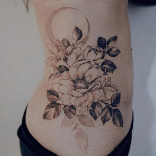 Tattoo by Zihwa #Zihwa #moontattoos #moon #nature #blackandgrey #illustrative #flower #peony #leaves #floral