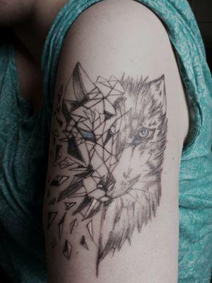 #complett #healed #abgeheilt #tattoo #blackandgrey #tattooformen #tattoodo #artist #follow #followforfollower #blackandgrey #instatattoo #germantattooer #natur #wolf #realismus #sketchMix #germantattooer