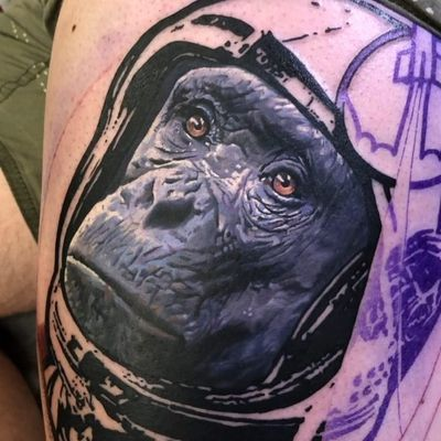Tattoo by Chris Rigoni #ChrisRigoni #realisticanimaltattoos #realisticanimal #realistictattoo #animal #animaltattoos #nature #color #chimp #chimpanzee #monkey #astronaut