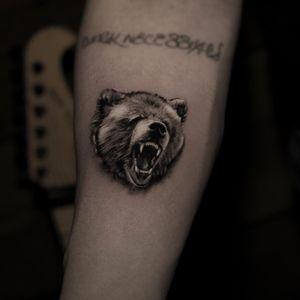 Tattoo by Niki Norberg #NikiNorberg #realisticanimaltattoos #realisticanimal #realistictattoo #animal #animaltattoos #nature #bear #blackandgrey