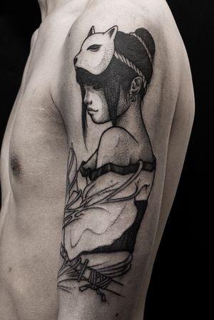 In progress #tattoostagram #tattoolifestyle #blacktattooing #tattooinspiration #blacktattooart #blackworkerssubmission #tattoosocial #blackworktattoo #insta_blackwork #berlinmood #kreuzberg #neukölln #friedrichshain #berlintattoo #inkdrawing #pendrawing #flashwork #flowertattoo#parloiruk#onlythedarkest#radtattoos#tattoodo#darkartists#undultattoo