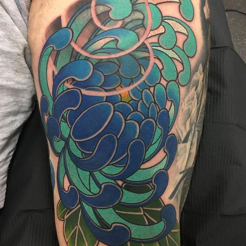 Tattoo by Steve H Morante #SteveHMorante #tattoodoambassador #Japanese #Japanesetattoo #Irezumi #flower #floral #chrysanthemum #color