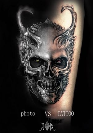 tattoo vs Photo !#intenztattooink #fusionink #inkjecta #realistictattoo #skull #skulltattoo #realisticskull #blackandgreytattoo #