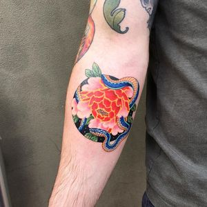 Tattoo by Ginger Jeong #GingerJeong #besttattoos #best #flower #floral #reptile #animal #plant #nature #peony #color #Japanese #snake