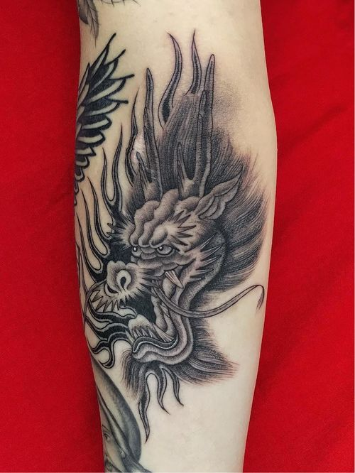 Illegal Tattoos: Juan Diego Prieto #IllegalTattoos #JuanDiego #JuanDiegoPrieto #blackandgrey #fineline #Chicano #dragon