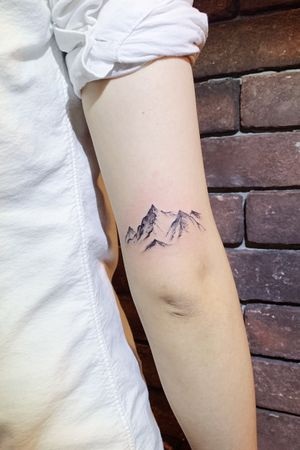 #mountain #blackandgrey