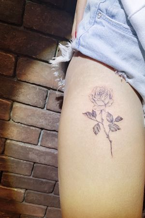 #rose #floral #flower #minitattoo #littletattoo #watercolor #smalltattoo #pretty #girl #sexy