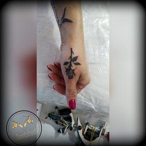 #rosa #rose #rosetattoo #tatuajerosa #rosatattoo #tattoorosa #tatuaje #tattoo #tatuajederosa #🌹