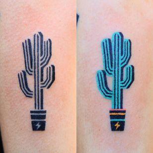 Tattoo by Zzizzi #Zzizzi #cactustattoos #cactus #desert #plant #nature#handpoke #color #lightningbolt #potterplant #minimal #graphic