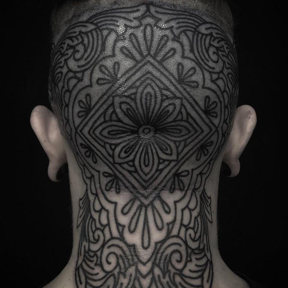 Blackwork flower tattoo by Clinton Lee #ClintonLee #flower #floral #blackwork #linework #headtattoo