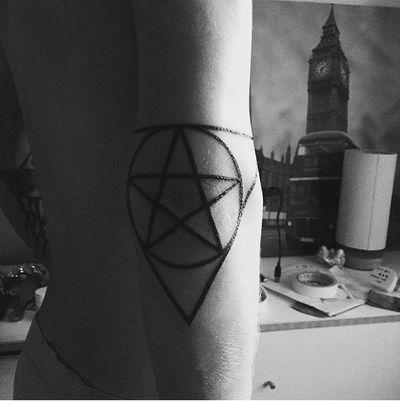 #ram #skull #lucifer #satanic #satan #evil #dark #tattoed #Black #blackink #blackandgrey #blackinktattoo #DarkArt #pentagram #esoteric #devil #hell #666 #blackmetal #symbol #mythology #magic #occult #occultart #men