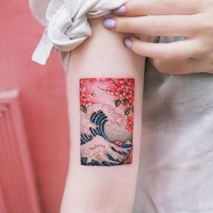 Tattoo by Sion #Sion #hokusaisgreatwavetattoo #hokusaitattoo #greatwavetattoo #wavetattoo #Japanese #ukiyoe #ukiyoeprint #ocean #greatwaveoffkanagawa