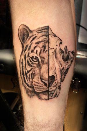 #tiger #tigertattoo #nyc #blackwork #linework #dotwork #skull #btattooing