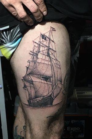 Barco pirata blackdotwork