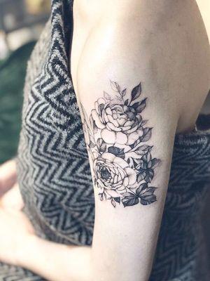 peony @tattooing_nature #tattooingnature #tattooistjayeon #korea #koreatattoo #flower #cat #geomatic #fineneedle #seoul #hongdae #iteawon #nature #tattooingnature #tattooistjayeon #korea #koreatattoo #flower #cat #geomatic #fineneedle #seoul #hongdae #iteawon #nature
