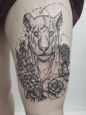 #kuro #kurotrash #tattoo #tattooing #tattoos #tattooed #tattooer #black #blackandwhite #blackwork #blackworkers #ink #inked #darkartists #darkart #onlythedarkest #blackarts #blackink #dotwork #tattooart #tattooartist #vienna #wien #sketch #graphicdesign #blackandwhite #geometric #blacktattoo #lions