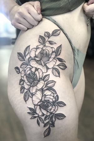 Triple roses! #tattoo #tattoos #blackandgreytattoos #inkedmag#myinkaddict #lasvegas #tattooworkers #tattooartist #inked #blacktattoo #tattooart #worldofpencils #artist #floral#floraltattoo #lasvegastattoo #lasvegastattooartist #dotwork #iblackwork #artist #inked#rose #blxink #rosetattoo #roses#crosshatch#blackworkerssubmission