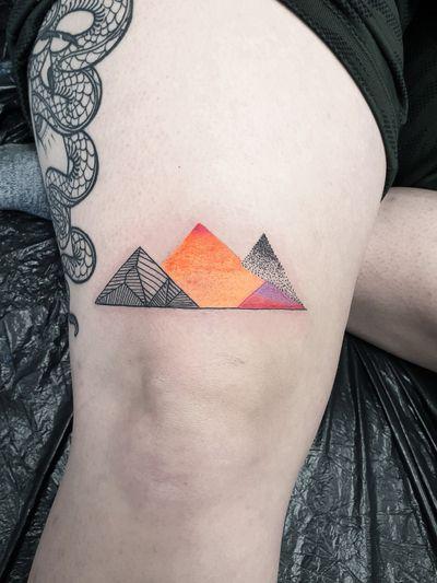 #kuro #kurotrash #tattoo #tattooing #tattoos #tattooed #tattooer #black #blackandwhite #blackwork #blackworkers #ink #inked #darkartists #darkart #onlythedarkest #blackarts #blackink #dotwork #tattooart #tattooartist #vienna #wien #sketch #graphicdesign #blackandwhite #geometric #patterns #graphic #mountains #mountain #mountaintattoo