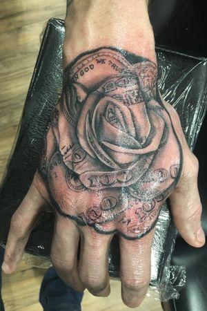 Fun hand piece from the other night #tattoo #tattoos #tattooartist #money #moneyrose
