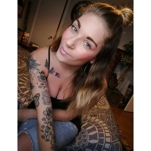 😊 #canadian #canadianink #tatted #tattedgirls #tattedgirl #girlswithttattoos #girlswithink #loveink #moreinkplease