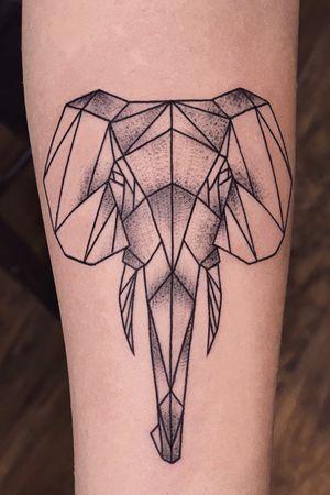 www.anastation-tattoo.com #anastationtattoo #elephant #geometry #linework #whipshading #blackandgrey #tattooed #tattoo2me