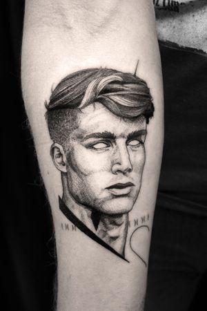 #Tattoodo #portrait #blackwork #blackworktattoo #whipshading