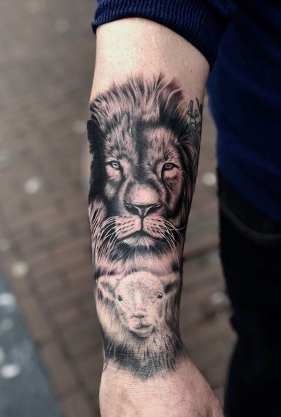 """""""The world is a jungle you either fight and dominate or hide and evaporate!"""" Big cover up with lion of Judah in process.😱🔥🇧🇬✍🏻🦁 ••••••••••••••••••••••••••••••••••••••••••••••••••••• #realistic#lion#liontattoo#realisticink#realistic #tattoo#inked#tattooed#animaltattoos#tattooideas#blackandgrey#blackandwhite#tattoolife#tattoolifestyle#bulgaria#amsterdam#amsterdamtattoo#besttattoos#artistoninstagram#bodyart#tattoomodel#tattooedgirls#tattooedguys#bigcat#inkig#tattooflash#tattoo#tattoos#amsterdamartist#roar#instatattoo#instaart#bodyart"""