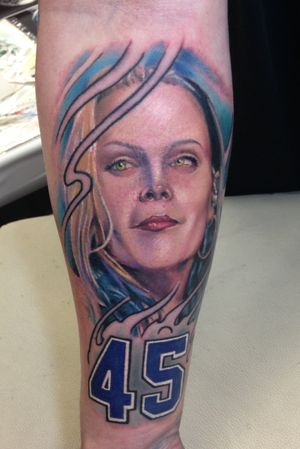 Color Beth Hart portrait, these are so fun, wish i could do more of them!!👽✌️#portrait #portraittattoo #portaiture #color #colortattoo #colorportrait #realism #realistic #Bethhart #texastattoo #texastattooartist