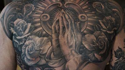 #rosestattoo #rose #roses #vetoe #prayinghands #handstyle #religious #losangeles #blackandgrey