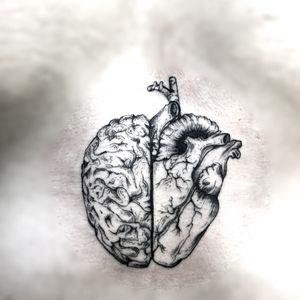 A super cool fineline head/heart sternum tattoo that I did🖤 The heart will always win😎 info@luckyironstattoo.com ••••••••••••••••••••••••••••••••••••••••• #copenhagentattoo #luckyironstattoo #finelinetattoo #tattoo #tattoos #københavn #sternumtattoo #københavntattoo #walkin #tattooed #tattoodo